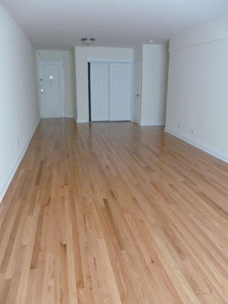 2 Bedrooms, Rego Park Rental in NYC for $2,385 - Photo 1