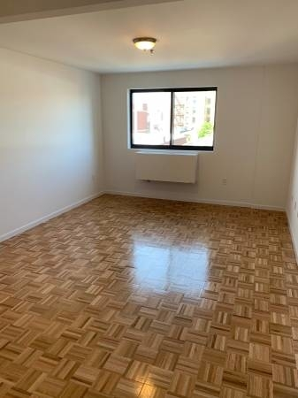 3 Bedrooms, Astoria Rental in NYC for $3,250 - Photo 2