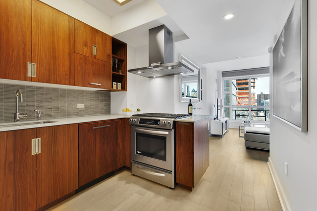 2 Bedrooms, Chelsea Rental in NYC for $8,430 - Photo 2
