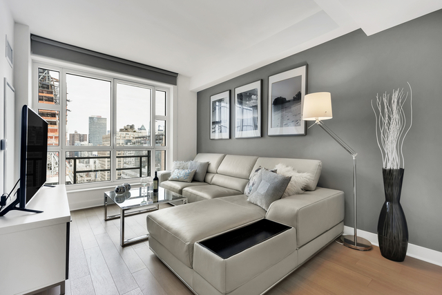 2 Bedrooms, Chelsea Rental in NYC for $8,430 - Photo 1