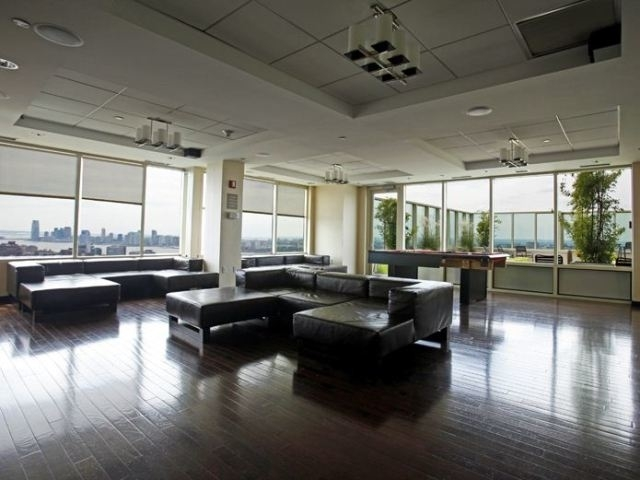 2 Bedrooms, Chelsea Rental in NYC for $6,545 - Photo 2
