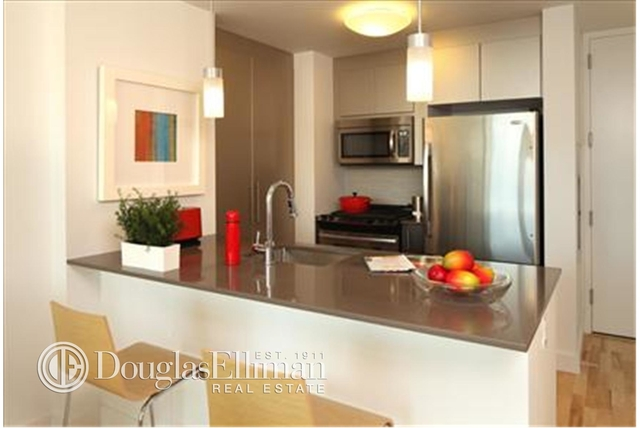 2 Bedrooms, Chelsea Rental in NYC for $6,682 - Photo 2
