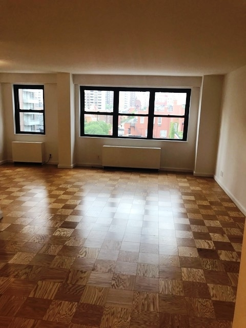 2 Bedrooms, Yorkville Rental in NYC for $5,045 - Photo 2