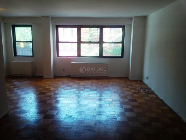 2 Bedrooms, Yorkville Rental in NYC for $5,900 - Photo 2