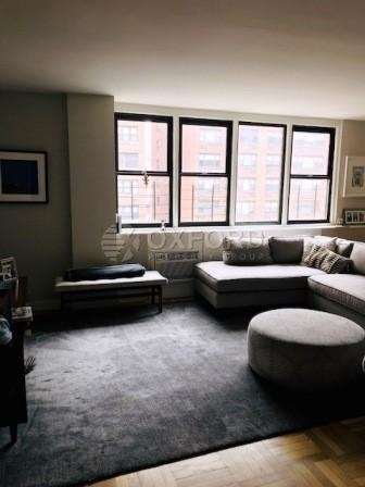 2 Bedrooms, Yorkville Rental in NYC for $5,435 - Photo 2