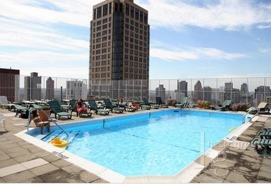 3 Bedrooms, Yorkville Rental in NYC for $9,500 - Photo 2