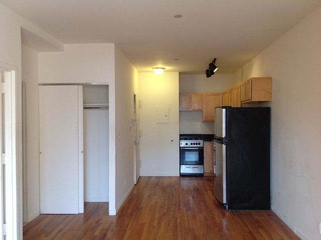 2 Bedrooms, Alphabet City Rental in NYC for $2,175 - Photo 2