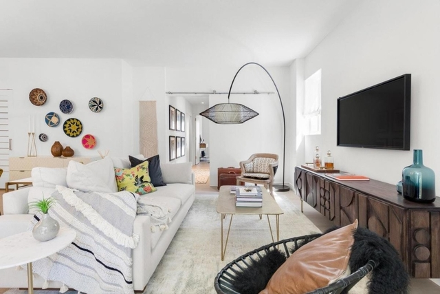 1 Bedroom, Hell's Kitchen Rental in NYC for $5,169 - Photo 2