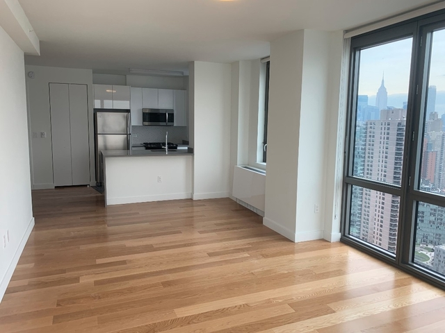 2 Bedrooms, Hell's Kitchen Rental in NYC for $6,050 - Photo 2