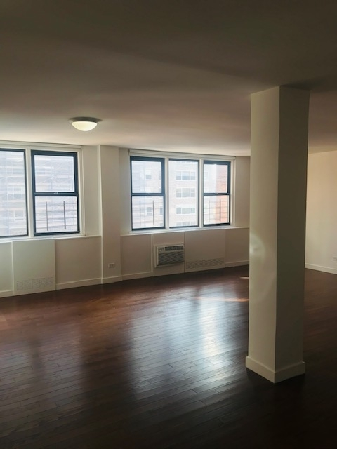 3 Bedrooms, Yorkville Rental in NYC for $6,217 - Photo 1