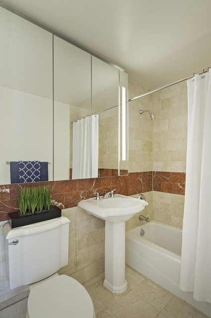 Studio, Theater District Rental in NYC for $2,956 - Photo 1