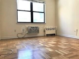 4 Bedrooms, Sutton Place Rental in NYC for $6,240 - Photo 1