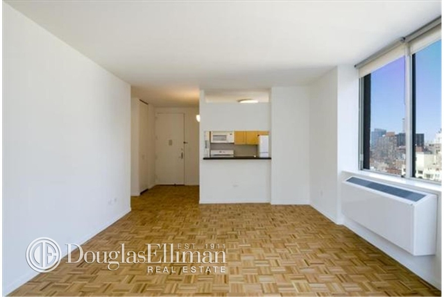 1 Bedroom, Hell's Kitchen Rental in NYC for $4,401 - Photo 1