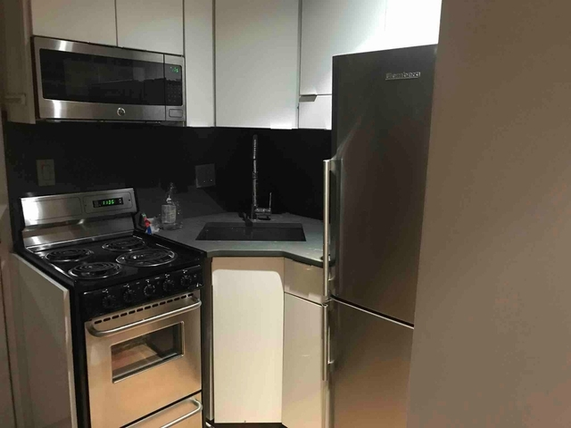 3 Bedrooms, Murray Hill Rental in NYC for $2,745 - Photo 1