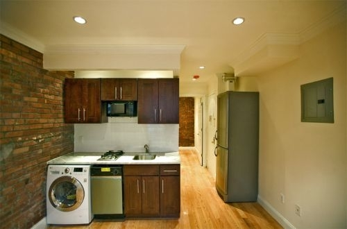 2 Bedrooms, Alphabet City Rental in NYC for $4,300 - Photo 1