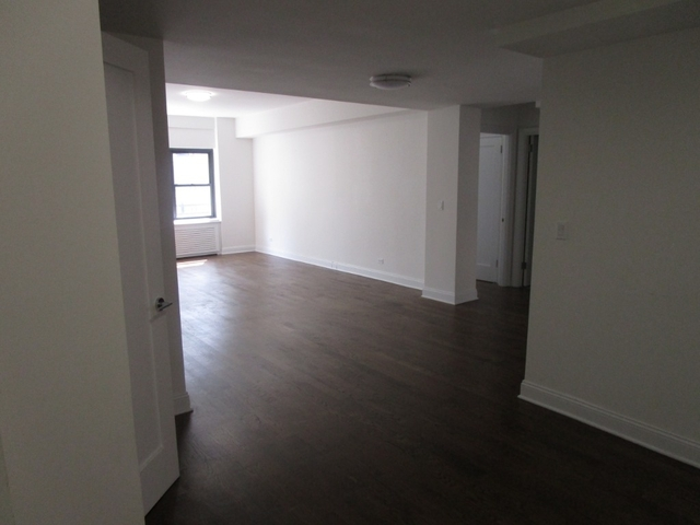 2 Bedrooms, Midtown East Rental in NYC for $5,950 - Photo 2