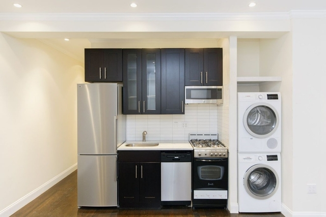 3 Bedrooms, Greenpoint Rental in NYC for $4,200 - Photo 1