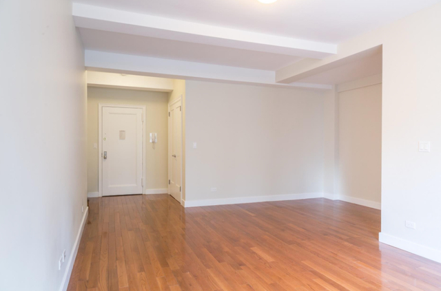 1 Bedroom, Sutton Place Rental in NYC for $4,250 - Photo 2