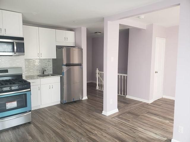 2 Bedrooms, Middle Village Rental in NYC for $2,350 - Photo 2