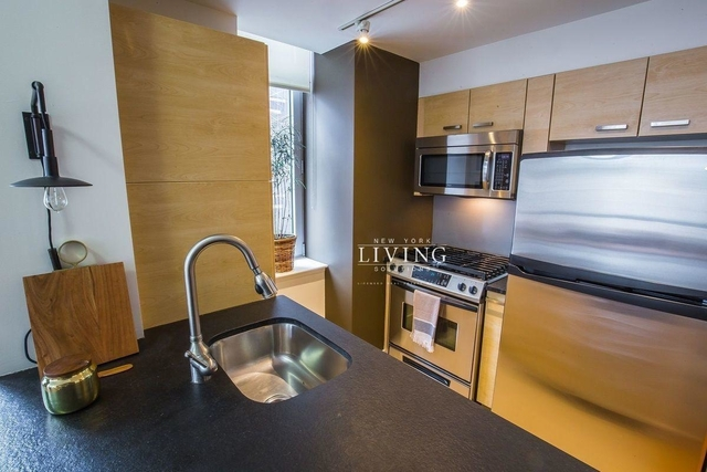3 Bedrooms, Tribeca Rental in NYC for $9,500 - Photo 2