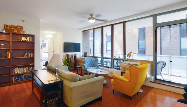 2 Bedrooms, Hunters Point Rental in NYC for $4,875 - Photo 2