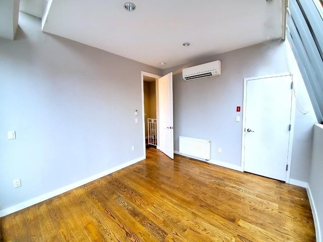 3 Bedrooms, West Village Rental in NYC for $9,995 - Photo 2