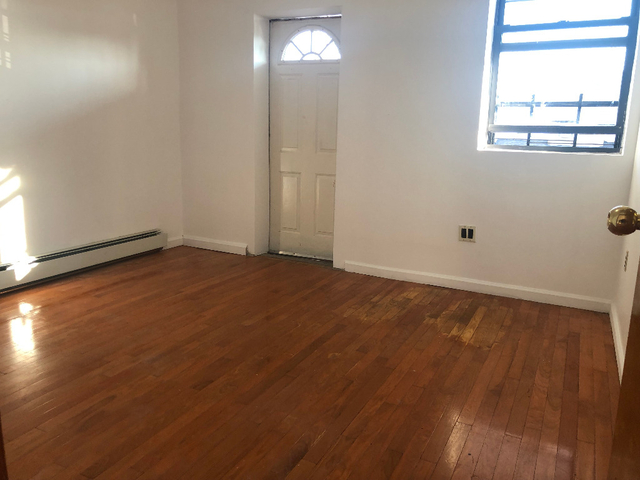 2 Bedrooms, Mapleton Rental in NYC for $1,500 - Photo 2