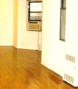 3 Bedrooms, Midtown East Rental in NYC for $3,300 - Photo 1