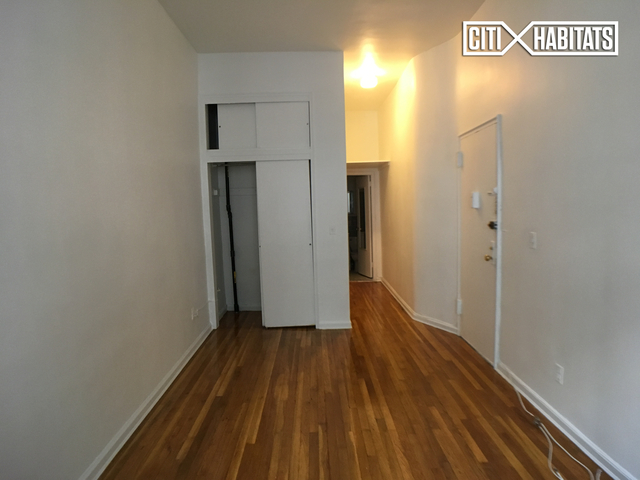 Studio, Yorkville Rental in NYC for $1,859 - Photo 2