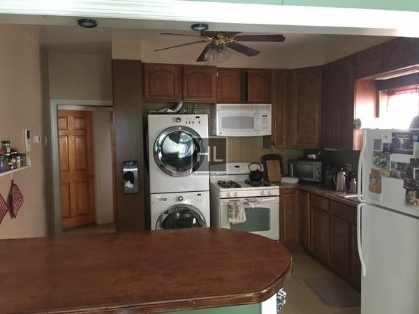 3 Bedrooms, Steinway Rental in NYC for $2,900 - Photo 2