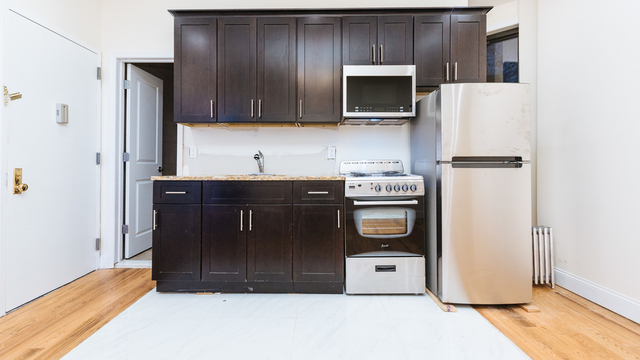 2 Bedrooms, Crown Heights Rental in NYC for $2,049 - Photo 2