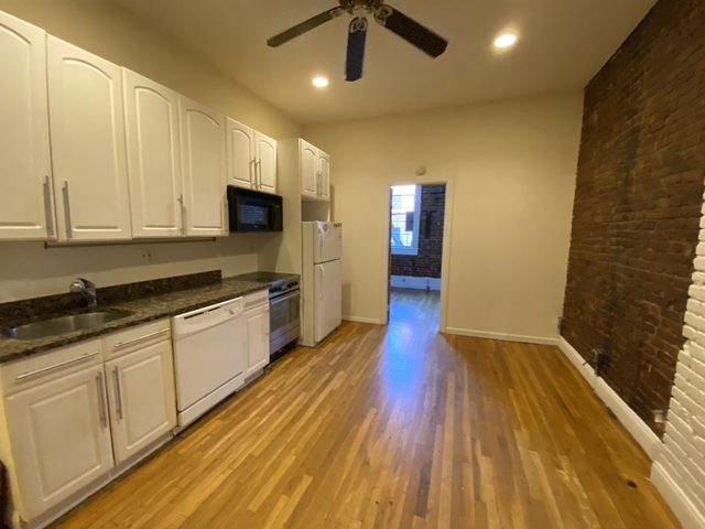 2 Bedrooms, Alphabet City Rental in NYC for $3,195 - Photo 1
