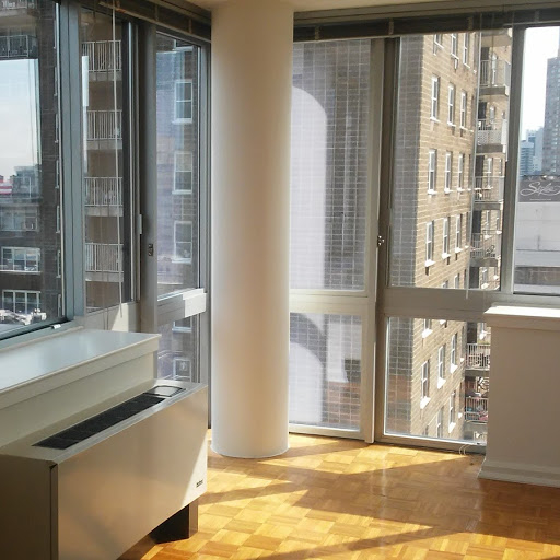 1 Bedroom, Hell's Kitchen Rental in NYC for $4,126 - Photo 2