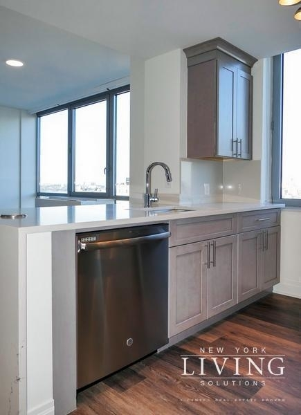 3 Bedrooms, Tribeca Rental in NYC for $12,995 - Photo 1