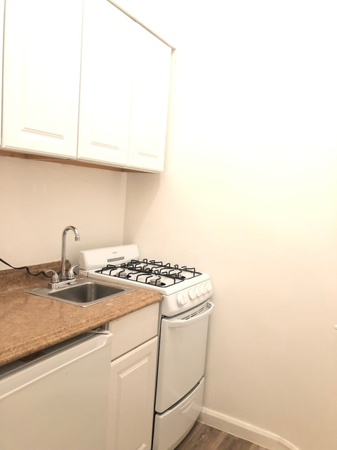 Studio, Yorkville Rental in NYC for $1,799 - Photo 2