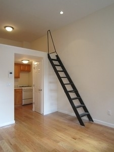 Studio, East Village Rental in NYC for $2,673 - Photo 2