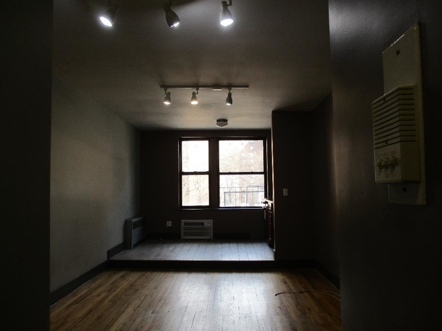 Studio, East Village Rental in NYC for $2,270 - Photo 2