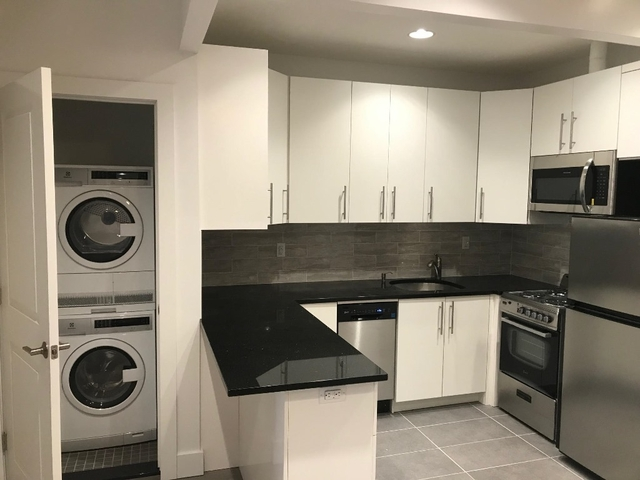 2 Bedrooms, Murray Hill Rental in NYC for $3,692 - Photo 1