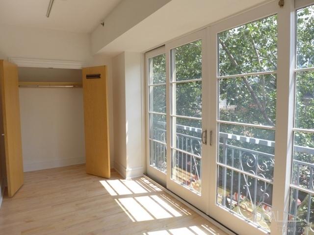 1 Bedroom, DUMBO Rental in NYC for $4,250 - Photo 2