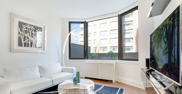 1 Bedroom, Upper East Side Rental in NYC for $5,500 - Photo 2