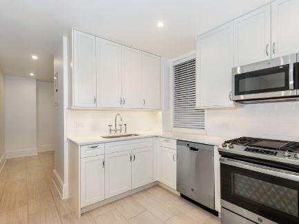4 Bedrooms, Carnegie Hill Rental in NYC for $21,000 - Photo 2