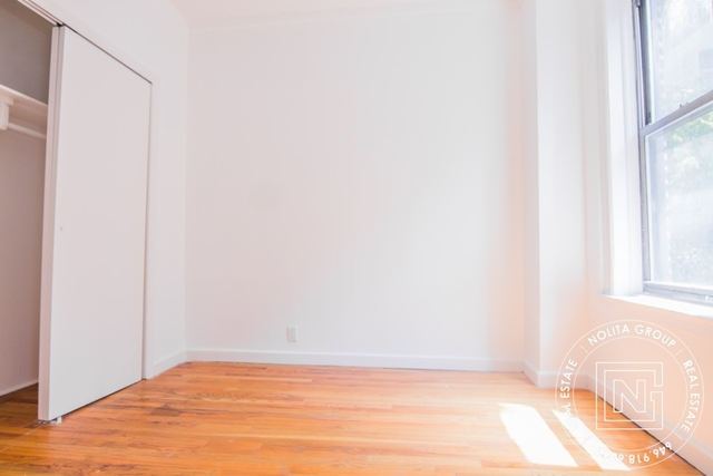 2 Bedrooms, Jackson Heights Rental in NYC for $5,200 - Photo 2