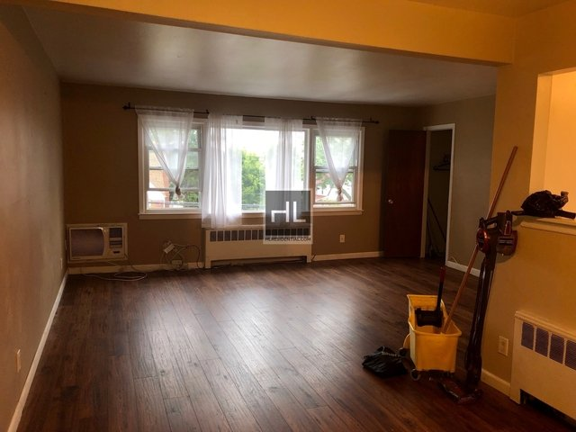 2 Bedrooms, Bayside Rental in Long Island, NY for $2,250 - Photo 2