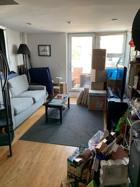 Room, Greenpoint Rental in NYC for $1,350 - Photo 2