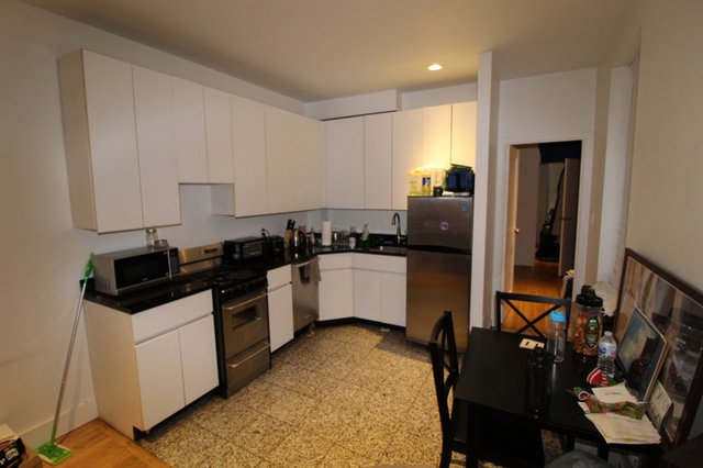 3 Bedrooms, Midtown East Rental in NYC for $4,800 - Photo 2