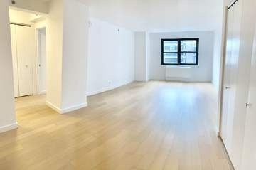 2 Bedrooms, Murray Hill Rental in NYC for $4,295 - Photo 2
