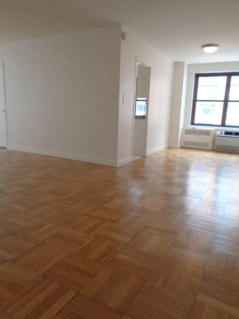 2 Bedrooms, Greenwich Village Rental in NYC for $7,050 - Photo 2