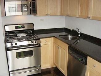 2 Bedrooms, Midtown East Rental in NYC for $5,200 - Photo 2