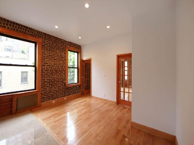 3 Bedrooms, Turtle Bay Rental in NYC for $5,000 - Photo 1