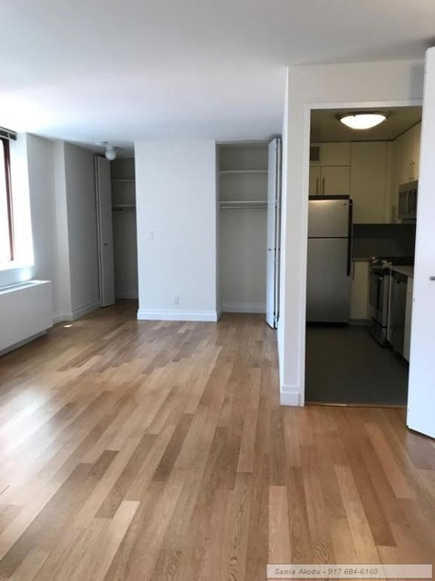 Studio, Theater District Rental in NYC for $2,000 - Photo 2